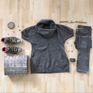 Banana Republic wool short sleeve sweater pockets